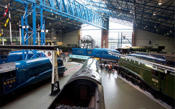 All six: Dominion of Canada, Bittern, Union of South Africa, Dwight D Eisenhower, Sir Nigel Gresley, Mallard (on the turntable)