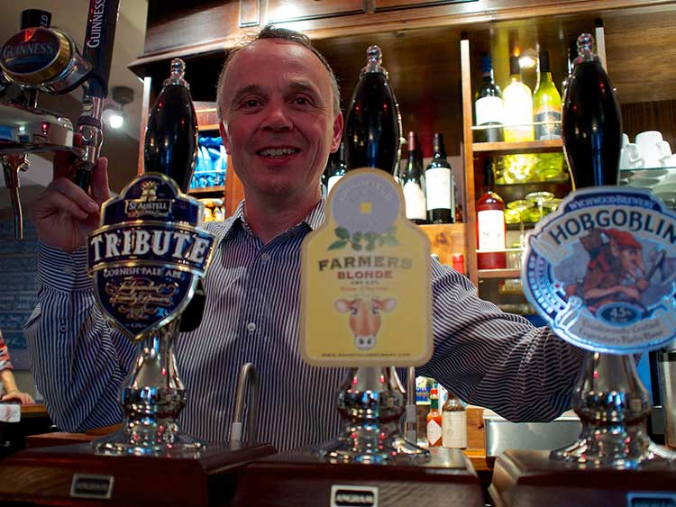 the-gillygate-pub-york-landlord-brian-furey