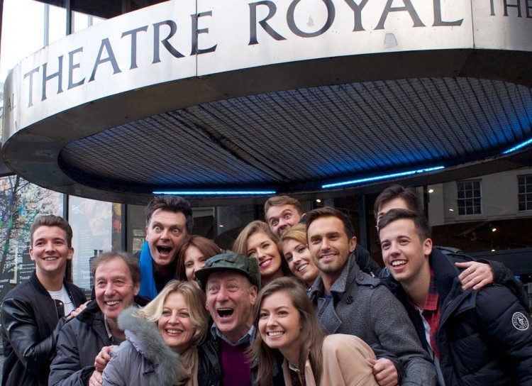 entire-cast-theatre-royal-panto-york-2014