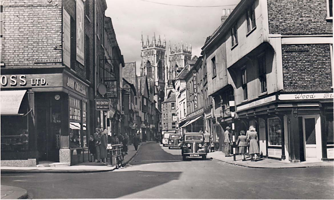 york-postcards-petergate-church-st-bw-cars